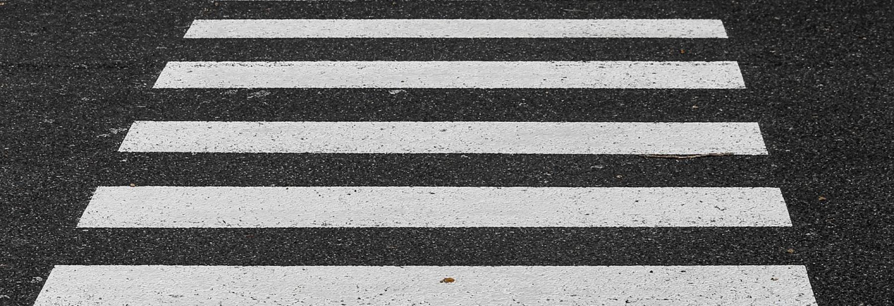 crosswalk-3712127_1280